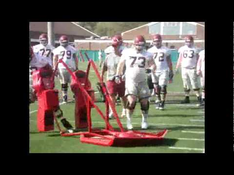 Alabama offensive line learns blocking drill