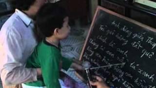 Nhóc 3 tuổi biết đọc tại Đồng Tháp