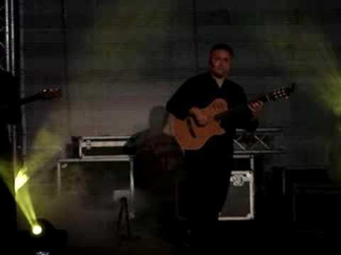 Francesco Buzzurro, Richard Smith -