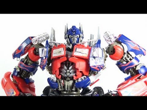 Video Review of the Transformers Dark of the Moon; Takara/Tomy DMK-01 Optimus Prime