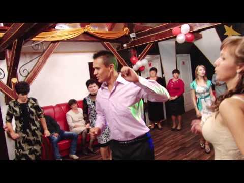Запальне весілля в Ком`ятах - танцюють усі догде лаби )))