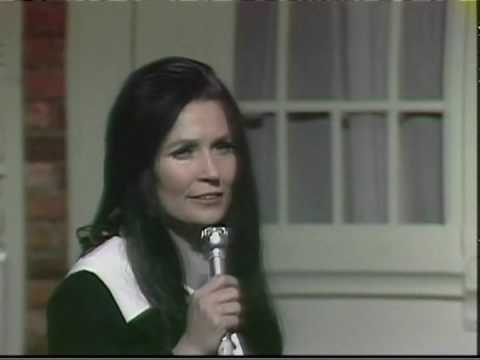 Loretta Lynn - I Know How