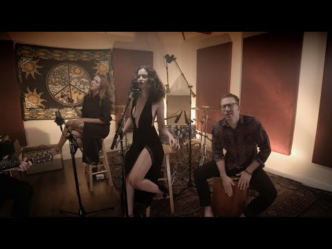 Sabrina Claudio - Tell Me (Acoustic)