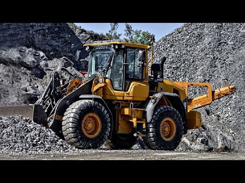 Here Comes A Digger (full length version)