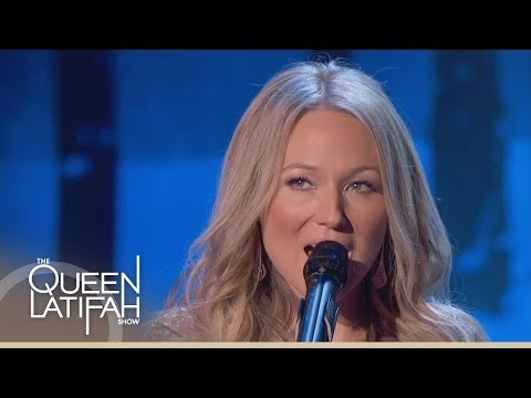 Jewel Performs 'The Christmas Song' (Chestnuts Roasting on An Open Fire)