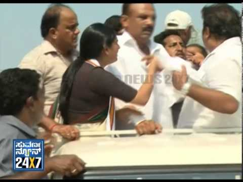 Congress Workers Clash During Ramya Election Rally In Mandya - Suvarna News video