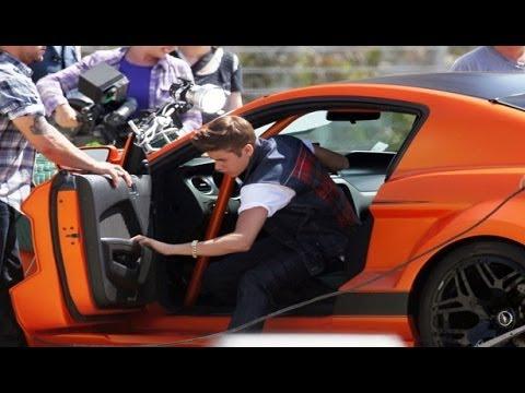 Justin Bieber presume sus autos lujosos / Justin Bieber boasts their fancy cars