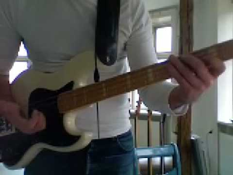 L08 Double thumbing bass in D