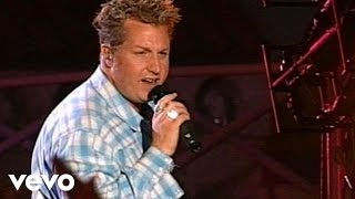 Rascal Flatts - Love You Out Loud (Live)
