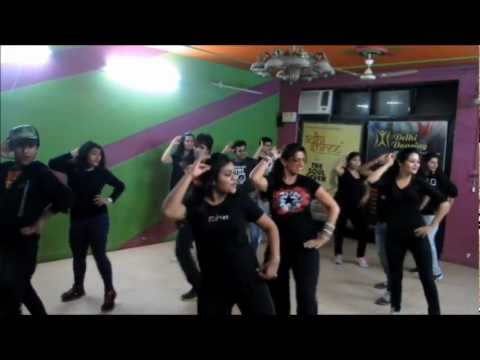 Hookah Bar & Aunty Ji - Delhi Dancing (bollywood Batch) video