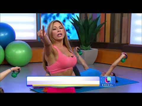 Claudia Molina mostró a Ximena Córdoba una rutina para tener busto firme  -- Despierta América
