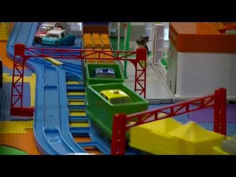 【trenes de juguete】Trenes Chuggington Wilson -  satisfechas con 30 vagones de carga (00402 es)