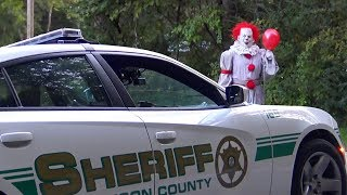 Pennywise The Dancing Circus Clown Halloween Hidden Camera PRANK (Cops Called)