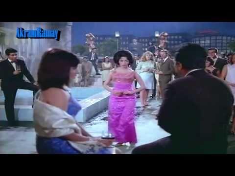 Gairon Pe Karam Apnon Pe Sitam - Lata - Aankhen (1968) - Hd video