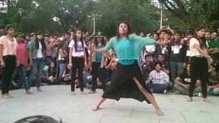 IIT college girls dance