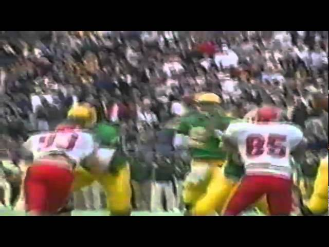 Oregon Wr Tony Hartley fights to the goal line for a 17 yard gain vs. Utah 10-18-97