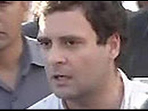 Rahul Gandhi cornered by Amethi residents