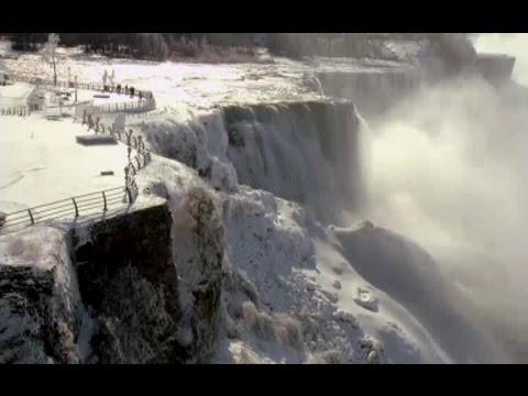 USA NIAGARA FALLS FROZEN (Polar vortex freezes Niagara Falls)
