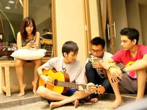 Dewa - Mahadewi , Ipank - Ada Yang Hilang Cover By Cha, Apiw,igo, And Sung video