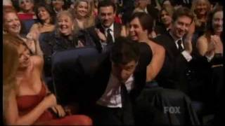 Emmy Awards 2011 - Kyle Chandler Wins