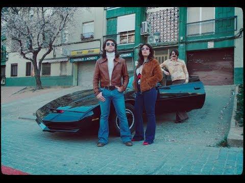 Ladilla Rusa - KITT y los coches del pasado (feat. Joan Colomo & Los Ganglios) (VIDEOCLIP oficial)