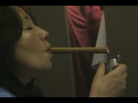 Lady Y vs. Swisher Sweet Giant cigar