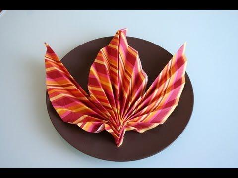 servietten falten ahornblatt napkin folding maple leaf. Black Bedroom Furniture Sets. Home Design Ideas