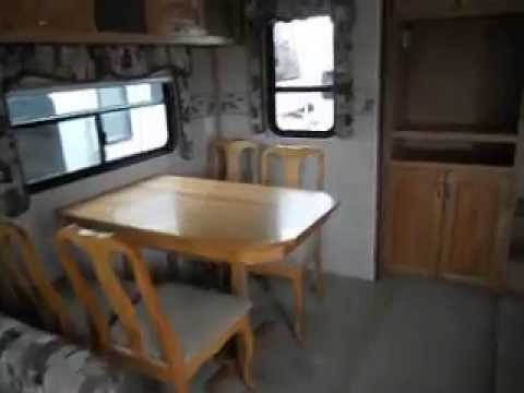 2006 Arctic Fox 325S Fifth Wheel Trailer