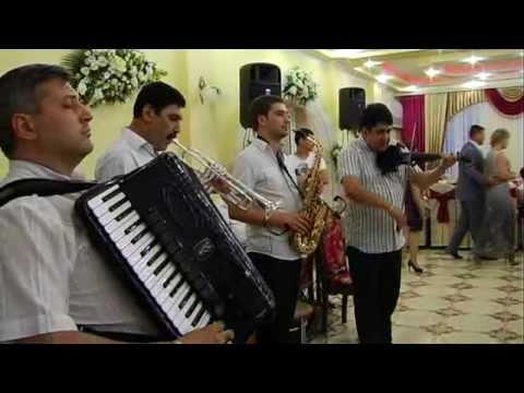 Lautarii din Chisinau la nunta in Voloca