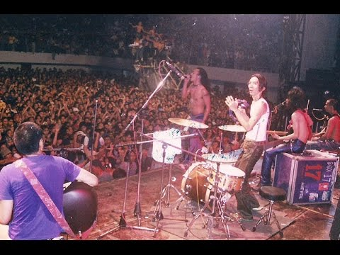Slank - Lembah Baliem (LIVE) OFFICIAL VIDEO