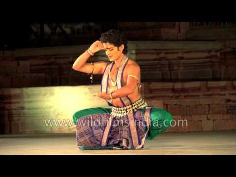 Soumya Bose Performs Odissi Dance : Khajuraho Dance Festival 2017