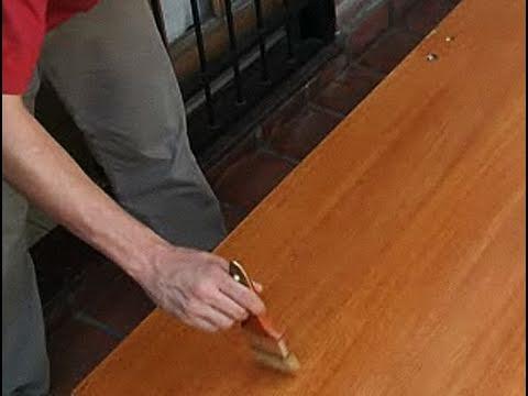 C mo dar barniz a una puerta youtube - Como barnizar una puerta de madera ...