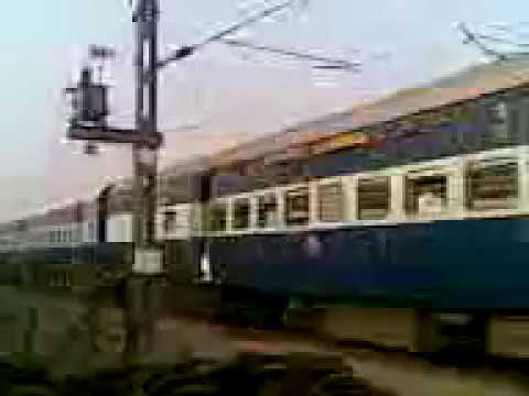 with 12566 bihar sampark kranti express runs parallel with mgs wap