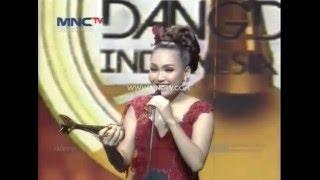 "Penyanyi Dangdut Progresif Terbaik "" Ayu Ting Ting "" - Anugerah Dangdut Indonesia 2015 (17/12)"