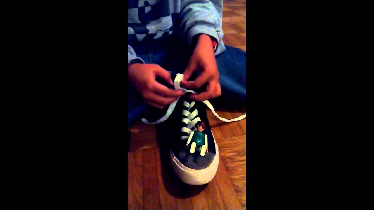 Schuhe binden ganz einfach youtube for Schleife binden youtube