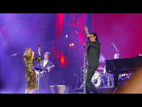Nick Cave, Kylie Minogue - Where the wild roses grow, London All Points East Festival, June 3rd 2018