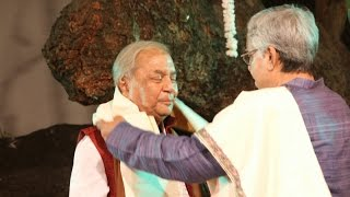 Felicitation of Pandit Birju Maharaj