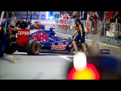 "Max Verstappen ignoring Team order Singapore 2015! (""Max you need to let Sainz through."" Max: ""NO"")"