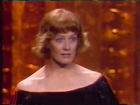 Vanessa Redgrave's 'Zionist Hoodlums' Speech Shocks Hollywood Video