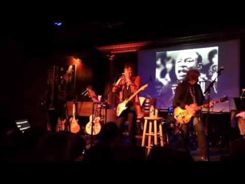 EXCLUSIVE! Rolling Stone's Ronnie Wood & Mick Taylor Play the Blues (NYC)