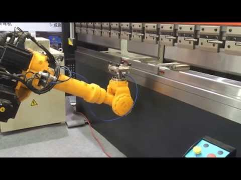 Servo CNC Press Brake with Industrial Robot /Motoman robot with CNC Press Brake