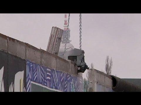 48 doğu yakası galerisi yıkımına almanlardan protesto duration