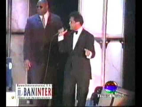 Luis Miguel - Up Beat Medley / Dame Tu Amor / Sol, Arena Y Mar / Suave / En Vivo Estadio Quisqueya, Santo Domingo, República Dominicana, 20-02-2002. Mis Roma...
