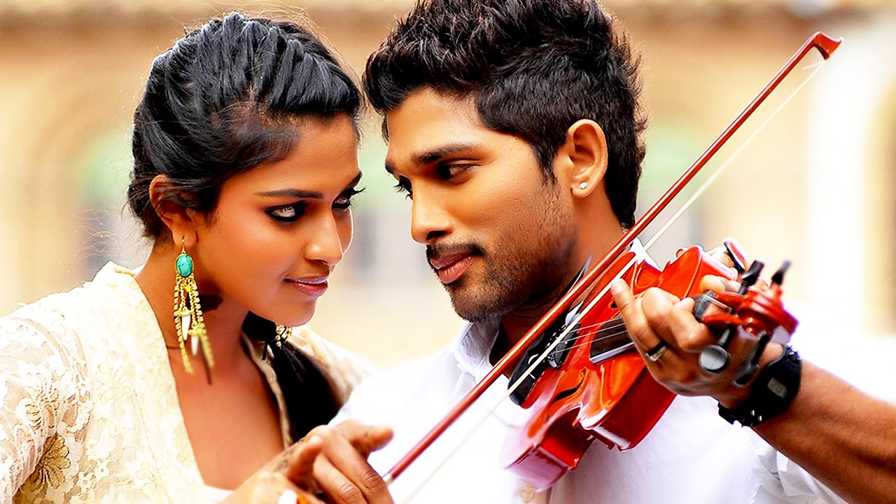 Allu Arjun And Amala Paul In Iddarammayilatho Latest Stills Hide this content