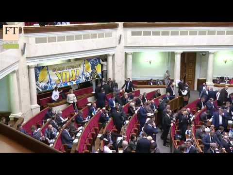 Ukraine tilts to EU, Russian threat remains