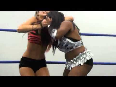 Wrestling Girls Fight 30