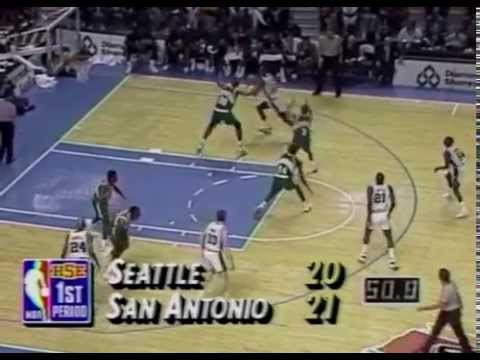 David Robinson (42p/10r) - Highlights vs Shawn Kemp and the Sonics 1992/93 season