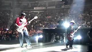 Metallica invites small kids to jam on stage!