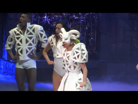 Lady Gaga Bad Romance Live Montreal 2013 HD 1080P