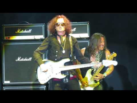 Glenn Hughes - Fezen - Székesfehérvár - You Keep On Moving - 04. 08.  2017.